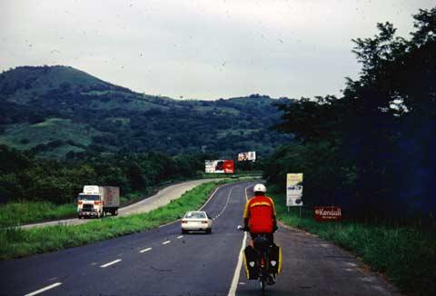 Carreteras autopistas skyscraperpage forum for Benetton quedara autopista panamericana acceso oeste